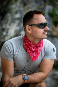 Bandana around the neck to cool off temperatures